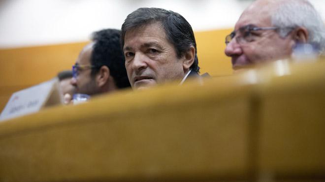 Fernández defiende la abstención del PSOE ante la ausencia de alternativas