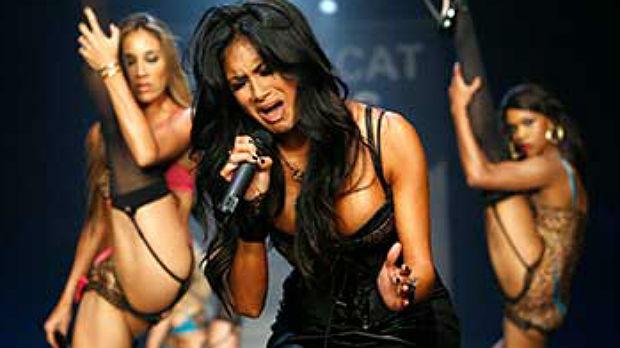 Kaya Jones denuncia que Pussycat Dolls era una red de prostitución (ES)