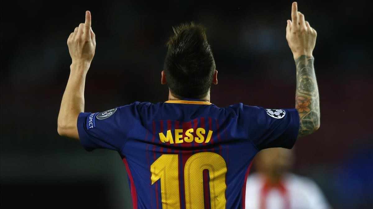 rpaniagua40592057 barcelona s lionel messi reacts after scoring during the gro171031184225