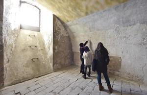 zentauroepp41163313 barcelona visita a las celdas y dem s del castell de montju171202175634