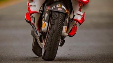 Andrea Iannone acab� con el neum�tico delantero destrozado la carrera de Brno.