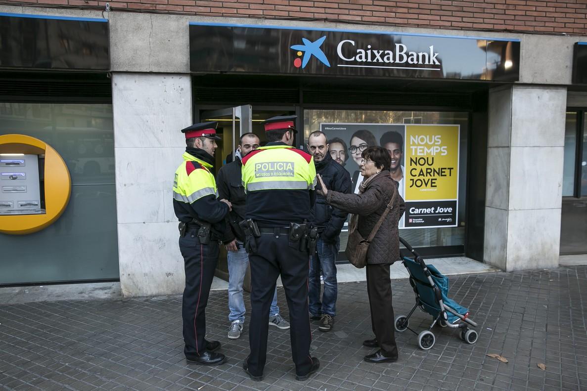 Atraco euros caixabank barcelona fiambrera for Oficinas la caixa mataro