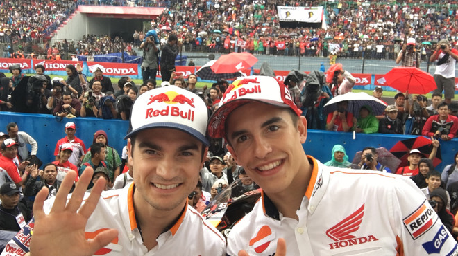 Pedrosa y M�rquez, en el circuito de Sentul (Indonesia).