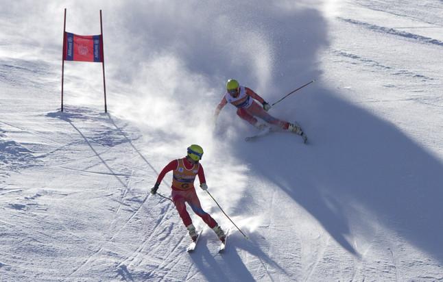Esquiadores paral�mpicos a 120 km/h en La Molina