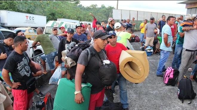 Centreamèrica ofereix una sortida als 8.000 immigrants cubans encallats a Costa Rica