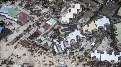 L'huracà 'Irma' devasta parts del Carib en el seu avanç cap a Florida