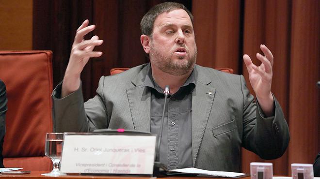 El vicepresidente del Govern yconsellerdeEconom�a, Oriol Junqueras, avanza que en los pr�ximos d�as se concretar�n las reuniones con los grupos parlamentarios para hablar de los presupuestos.