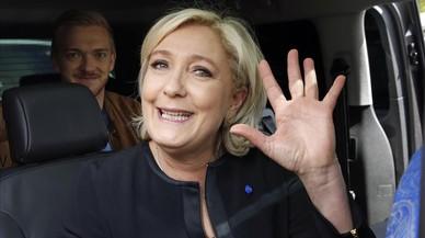 Le Pen, tras una visita a Amiens, el 26 de abril.