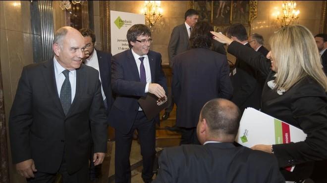 Puigdemont replica a les crítiques d'empresaris a la pujada de l'IRPF