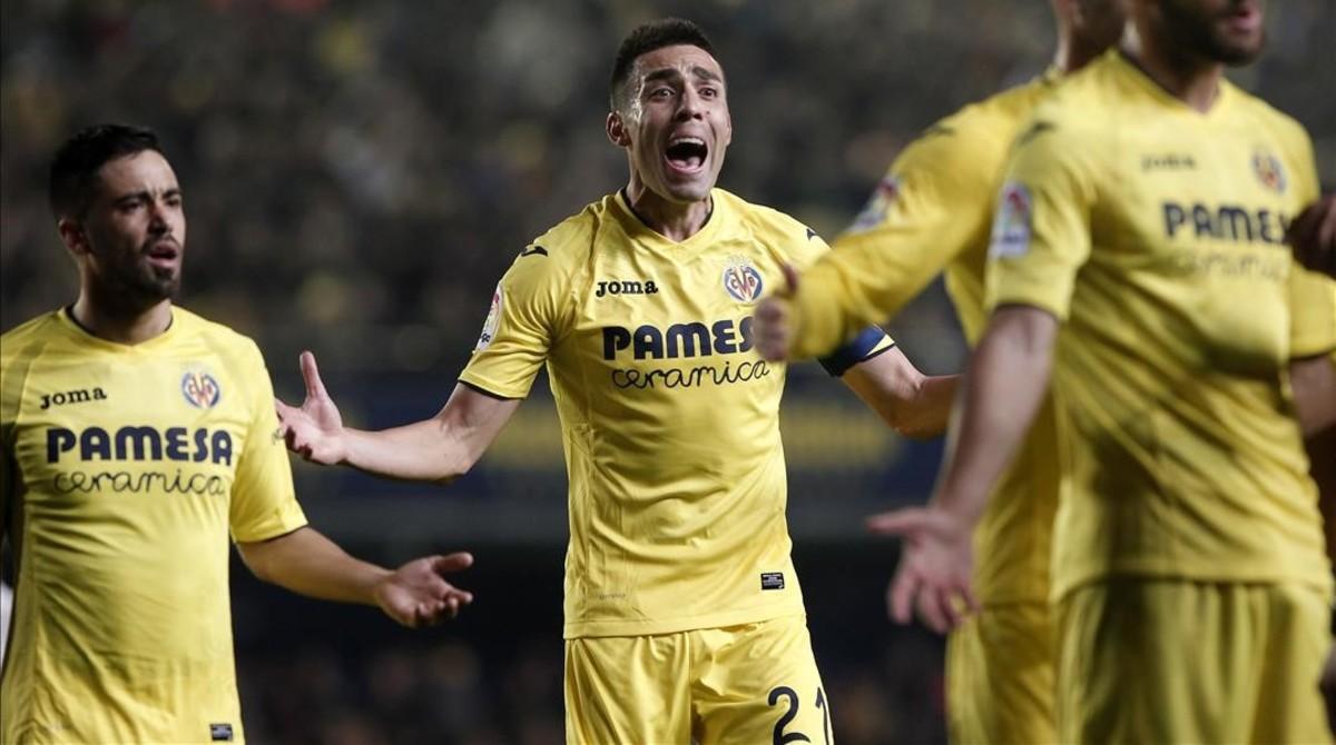 La diferència de criteri: així van ser les mans de Bruno Soriano davant el Madrid i el Barcelona