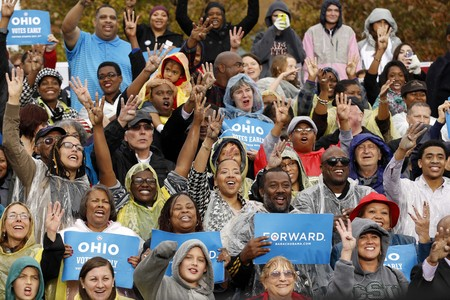 Seguidores de Barak Obama en un acto en Ohio, uno de los estados bisagra en las elecciones a la Casa Blanca