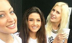 Miss Israel (izquierda), junto a Miss Líbano (centro), en el polémico selfi.
