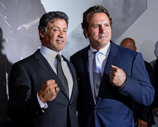 El hermano de Stallone estalla contra los Oscar
