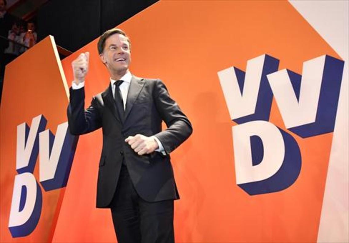 DERROTADO LSim Wilders, después de votar, ayer, en La Haya.
