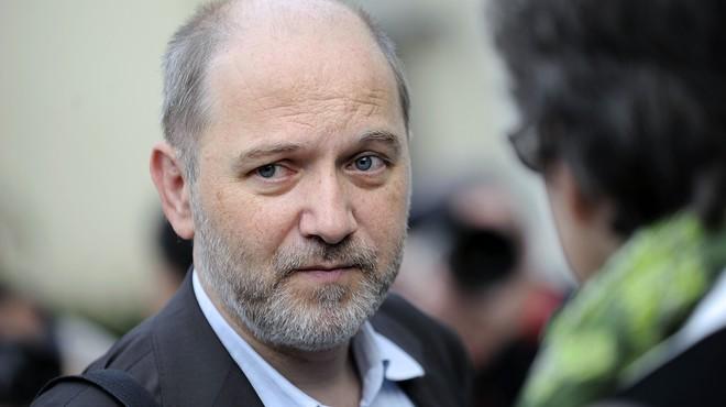 El vicepresident de l'Assemblea Nacional de França dimiteix després de ser acusat d'assetjament sexual