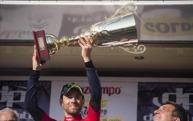 Alejandro Valverde, en el podio de la Vuelta a Andalucía.