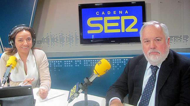 """Arias Ca�ete afirma que la reforma laboral del Gobierno """"est� dando sus frutos"""""""