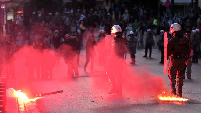 Grècia aprova entre protestes una altra ronda de retallades