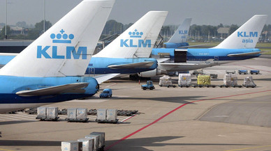 KLM JETS AT AIRPORT SCHIPHOL