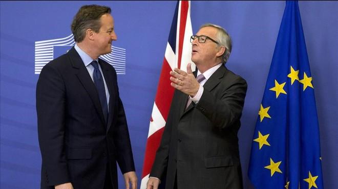 Cameron i Juncker entren de ple en la negociació per evitar el 'Brexit'