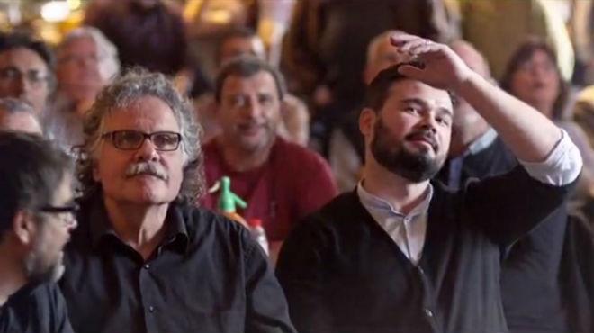 ERC porta a la campanya la rivalitat entre Barça i Espanyol