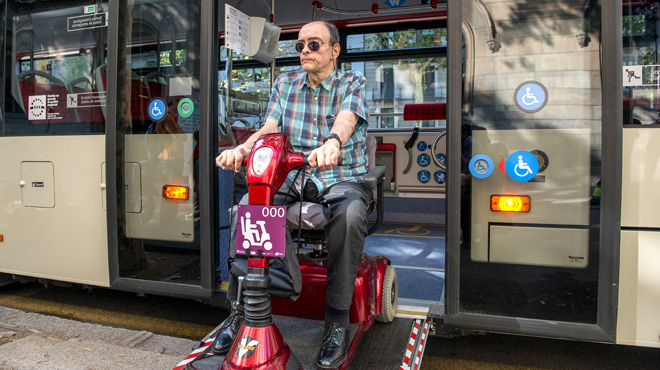 Los escúter para personas con movilidad reducida podrán entrar en el bus y el metro