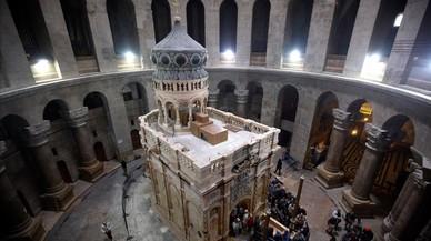 La tomba de Jesucrist restaurada llueix a l'església del Sant Sepulcre