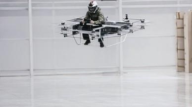 Rusia presenta la primera moto voladora