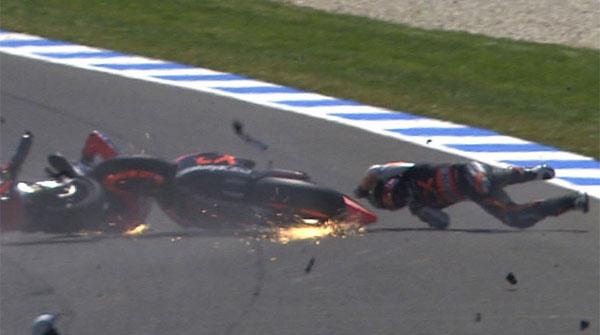 Secuencia fotográfica del accidente de Márquez y Wilairot en el circuito de Phillip Island.