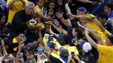 Durant condueix els Warriors al títol de la NBA