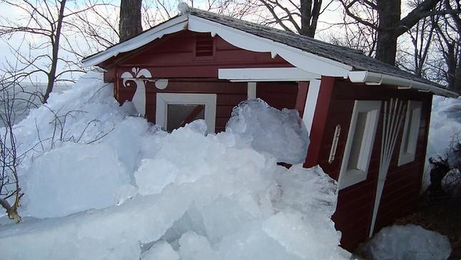Una casa rodeada de hielo el pasado domingo, en Minnesota. MINNESOTA PUBLIC RADIO