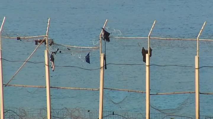 Asalto de inmigrantes a la valla de Ceuta durante la Nochebuena