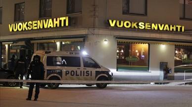 Dues periodistes i una política local assassinades a trets amb un rifle de caça a Finlàndia