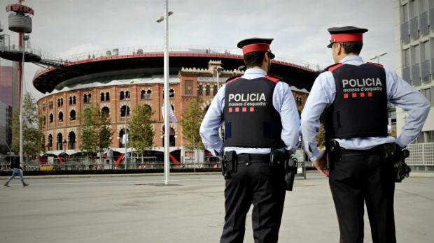 Hablan mossos sobre el 1-O: Que nos dejen al margen (ES)