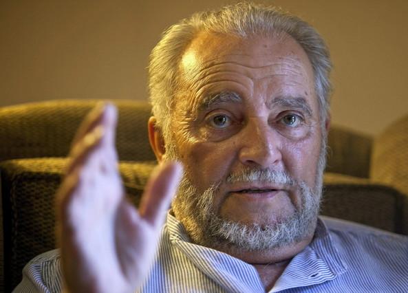 "Julio Anguita: ""Que la historia perdone a Felipe González"""