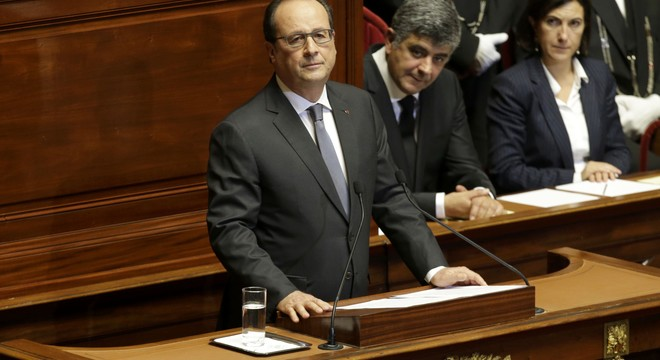 El gir bel·licista d'Hollande