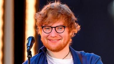 Ed Sheeran, atropellado cuando montaba en bici