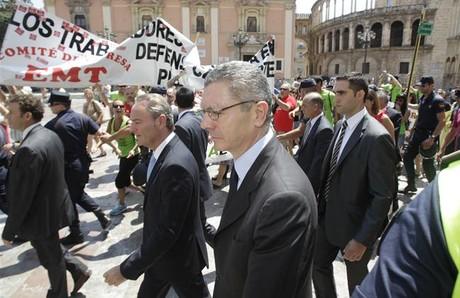 Los recortes de rajoy desatan las protestas en la calle for Oficinas barclays valencia