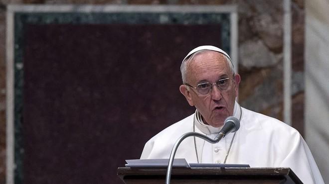 """El Papa pide """"tolerancia cero"""" hacia los curas pederastas"""