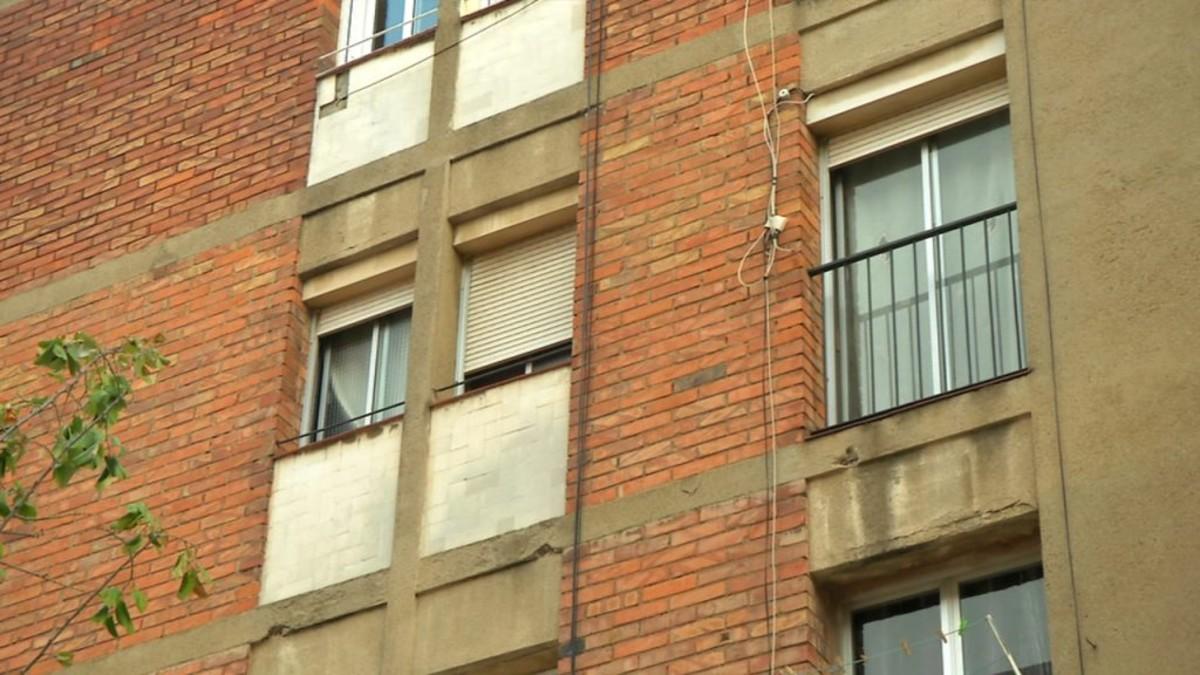 L 39 ajuntament de bcn imposa sancions per pisos buits for Pisos sareb barcelona