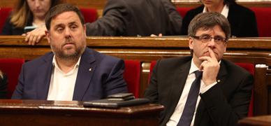 Puigdemont y Junqueras, este miércoles en el Parlament.