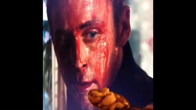 Ryan Gosling es menja els seus cereals