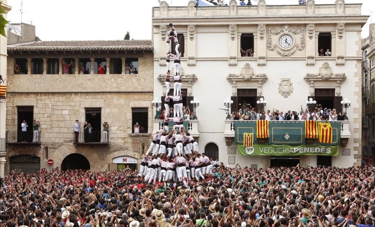 Sant Fèlix hace historia con cuatro 'castells de deu' en una misma 'diada'