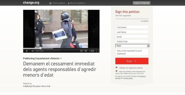 """Una petici�n en Change.org reclama el """"cese inmediato de los mossos responsables de agredir al menor de edad"""""""
