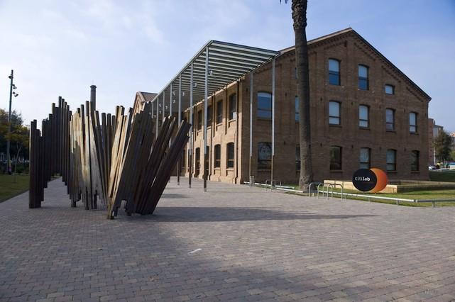 Imatge del Citilab de Cornellà, ubicat a lantiga fàbrica de Can Suris.