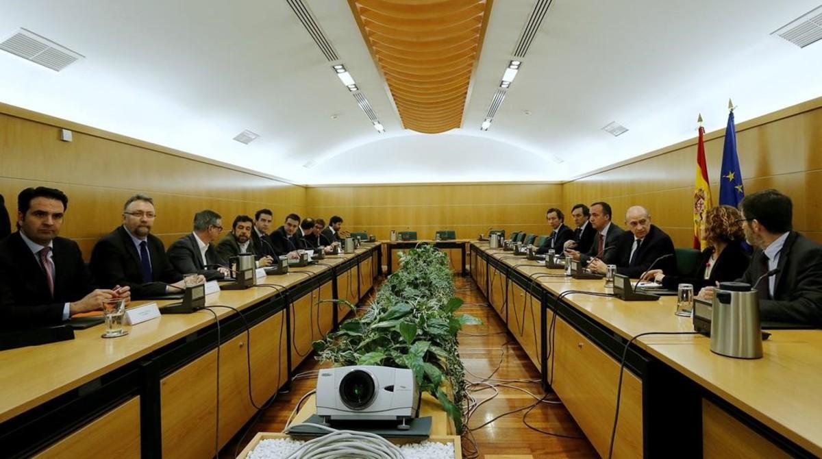 Reunión de la Comisión de Seguimiento del Pacto Antiyihadista que se ha celebrado en la sede del Ministerio del Interior.