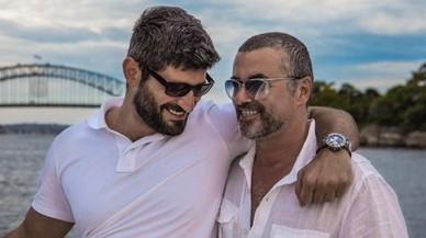 La família de George Michael exclou el nòvio del cantant del funeral