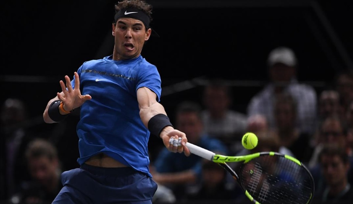lmendiola40772361 spain s rafael nadal returns the ball to south korea s hyeon171101151759