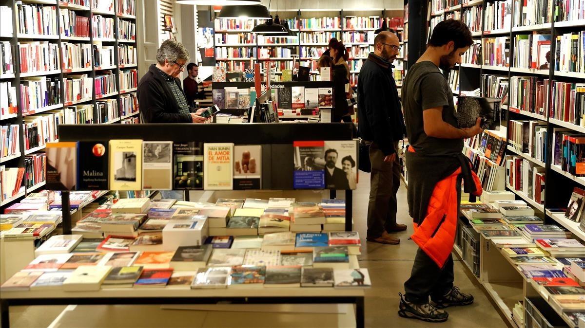 Clientes en una librería.
