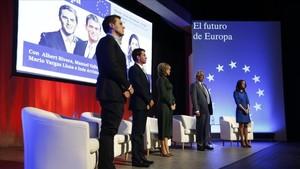 Manuel Valls en el acto de Ciutadans que ha contado también con la presencia de Mario Vargas Llosa.